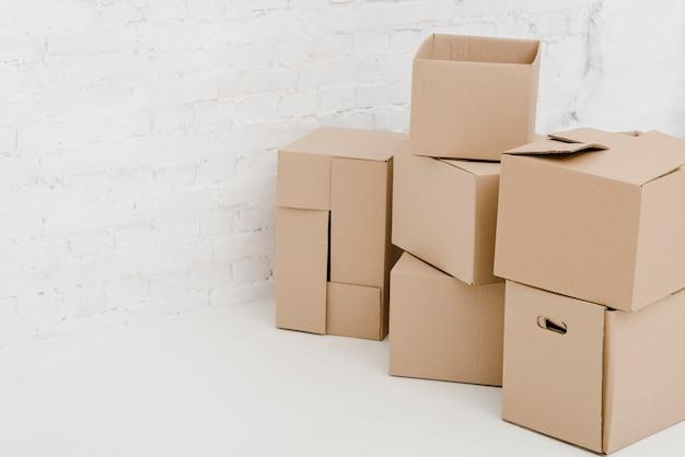 Belle scatole di cartone