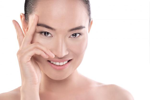 Bellezza asiatica. concetto di assistenza sanitaria