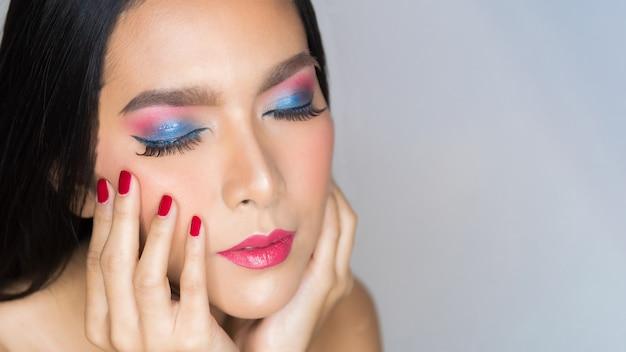 Bellezza colorata moda donna.
