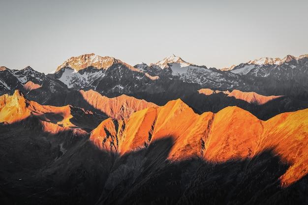 Bellissima catena montuosa