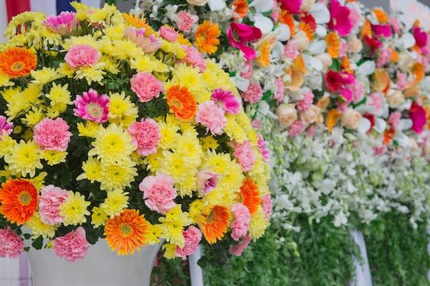 Bellissimo fiore decorazione di nozze