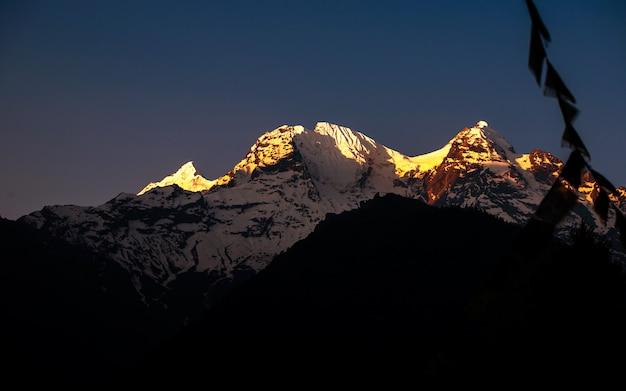 Bellissimo monte ganesh, gorkha, nepal