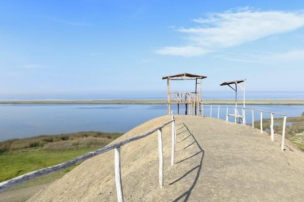 Bellissimo paesaggio lagunare di mezzo mondo situato nel distretto di vegueta, a huacho.