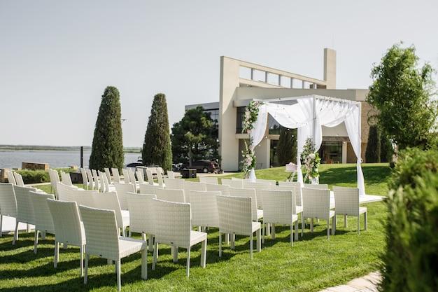 Bellissimo set up wedding in uscita