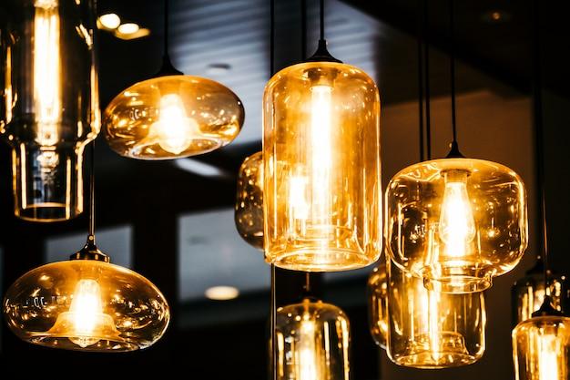 Bello interno della decorazione della lampadina della lampada della stanza
