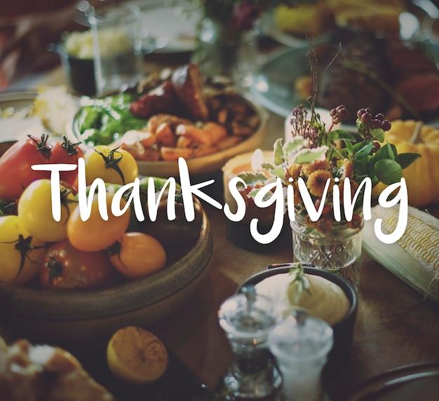 Benedizione di thnaksgiving che celebra il concetto del pasto riconoscente