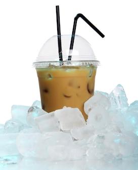 Bere caffè freddo
