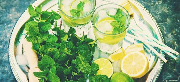Bere lime e menta. foto. cibo.