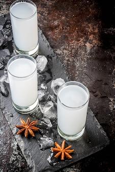 Bevanda alcolica araba raki