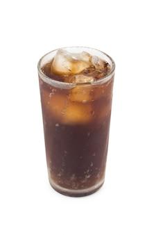 Bevanda analcolica isolata su bianco