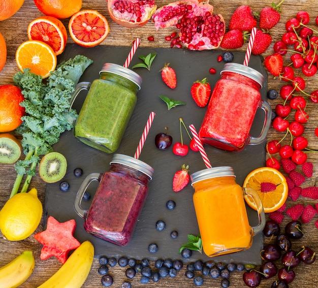 Bevanda fresca e frullata con ingredienti