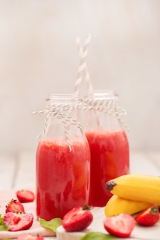 Bevanda frullato con fragole