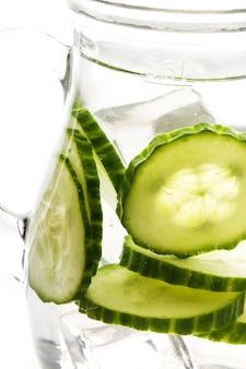 Bevanda rinfrescante con cetriolo