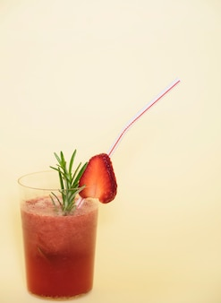 Bevanda rinfrescante con fragola