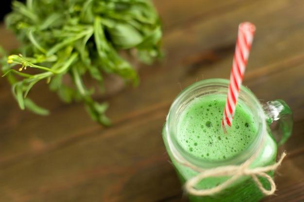 Bevanda rinfrescante verde fresca