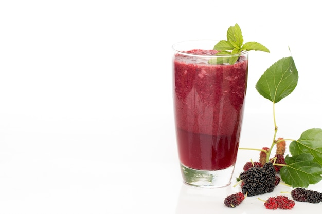 Bevanda sana fatta in casa mulberry.
