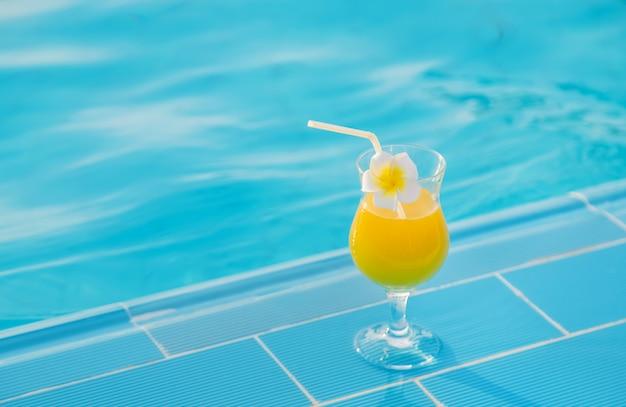 Bevi un cocktail in vacanza