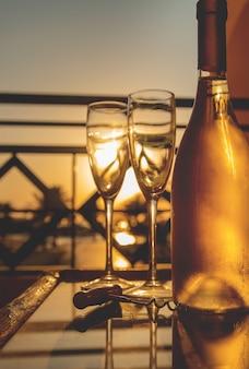 Bevi vino al mare