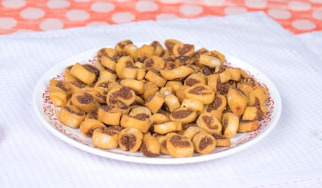 Bhakarwadi cibo