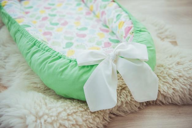 Biancheria da letto per bambini. bellissimi tessuti luminosi