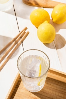 Bicchiere con limonata fresca