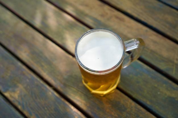 Bicchiere di birra leggera