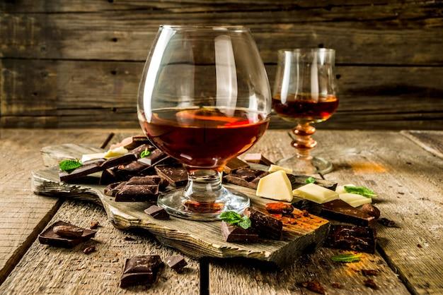Bicchiere di brandy, whisky o cognac