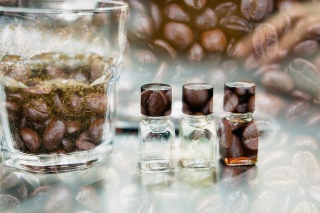 Bicchiere di caffè per degustare e aromatizzare la ruota aromatica e aromatica.