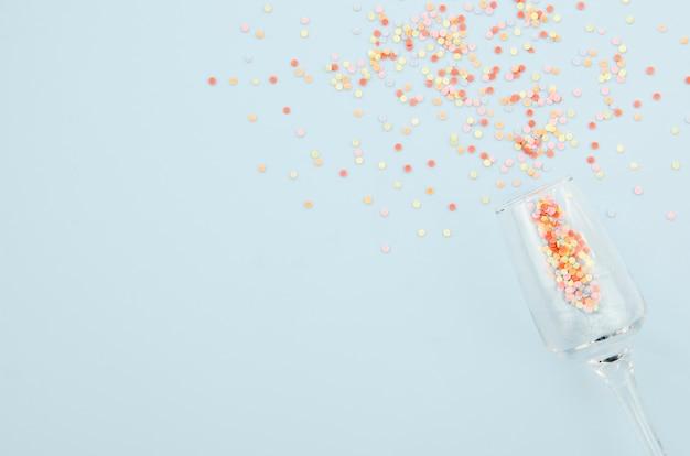 Bicchiere di champagne con glitter