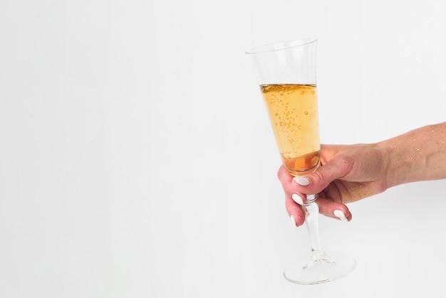 Bicchiere di champagne con spazio di copia
