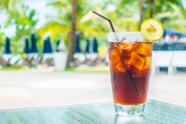 Bicchiere di cola ghiacciato