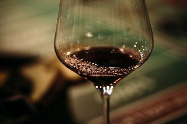Bicchiere di vino alcol vino liquore, una celebrazione dell'uva