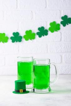 Birra verde del giorno di san patrizio