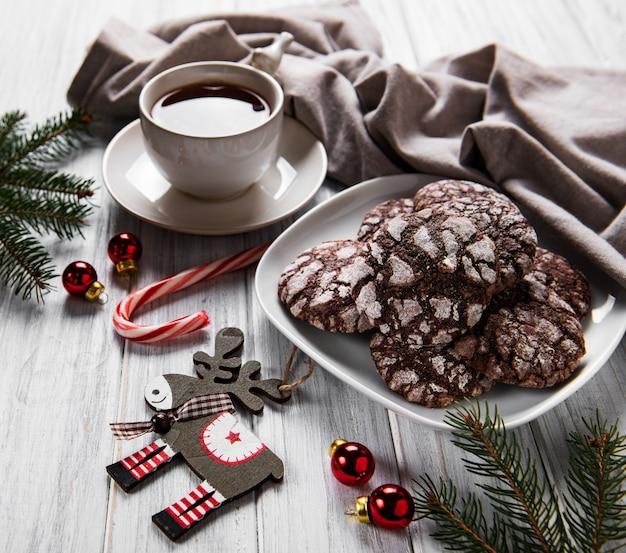 Biscotti al cioccolato scoppiettanti di natale