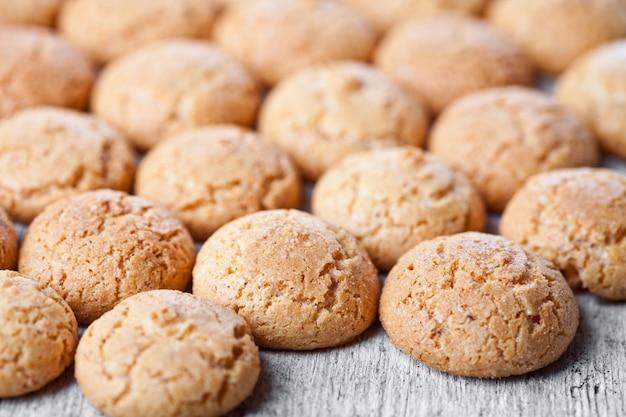 Biscotti alle mandorle di meringa