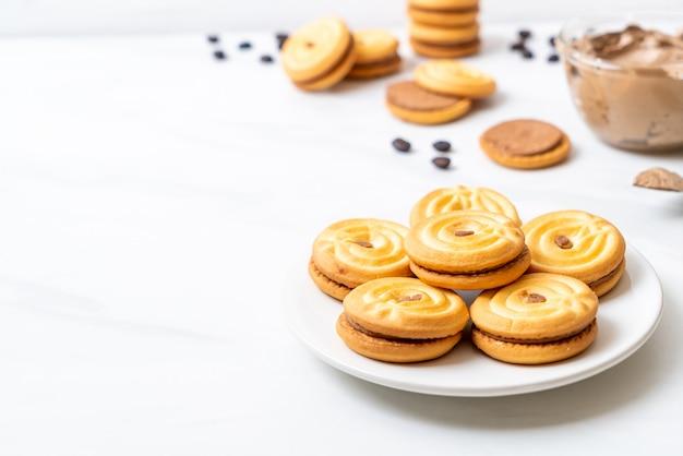 Biscotti con crema al caffè