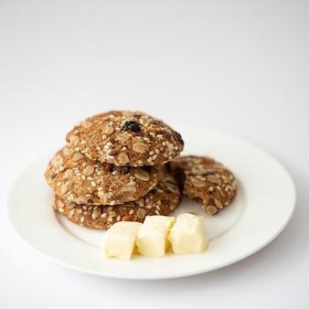 Biscotti con noci, semi e burro