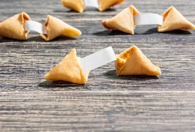 Biscotti della fortuna con carta bianca