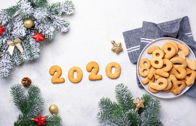 Biscotti di capodanno in forma 2020