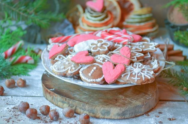 Biscotti di natale in ciotola