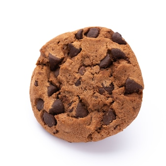 Biscotti di pepita di cioccolato isolati su spazio bianco. biscotti dolci. pasticceria artigianale.