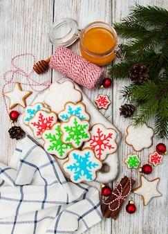 Biscotti di zenzero e miele di natale
