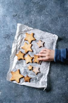 Biscotti di zucchero a forma di stella di natale