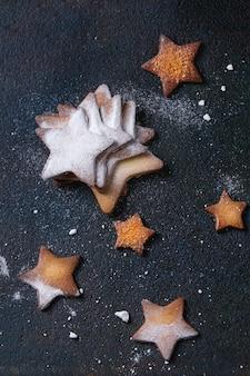Biscotti di zucchero a forma di stella di pasta frolla