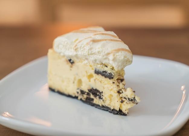 Biscotti e torta di crema di formaggio