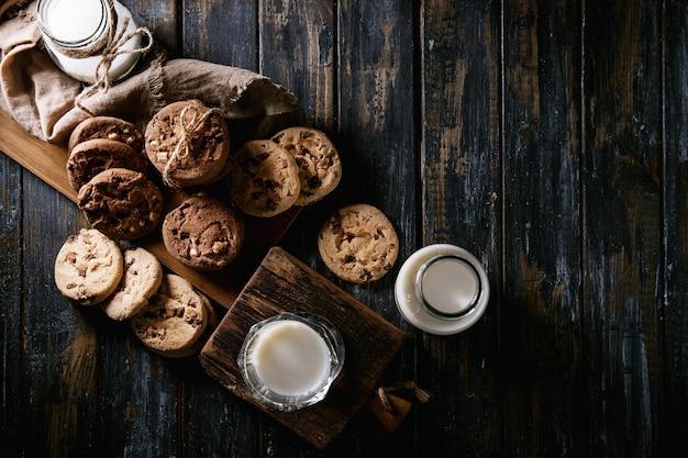 Biscotti fatti in casa con latte