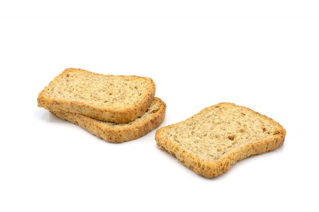 Biscotti integrali isolati su sfondo bianco