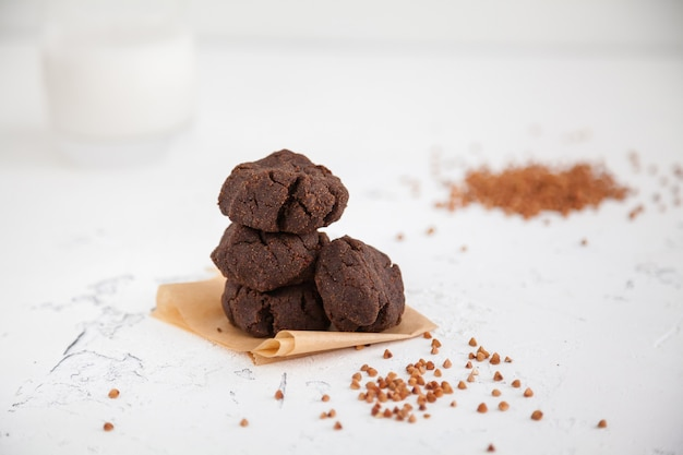 Biscotti sani della farina di grano saraceno casalingo