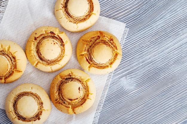 Biscotti simili ai funghi champignon