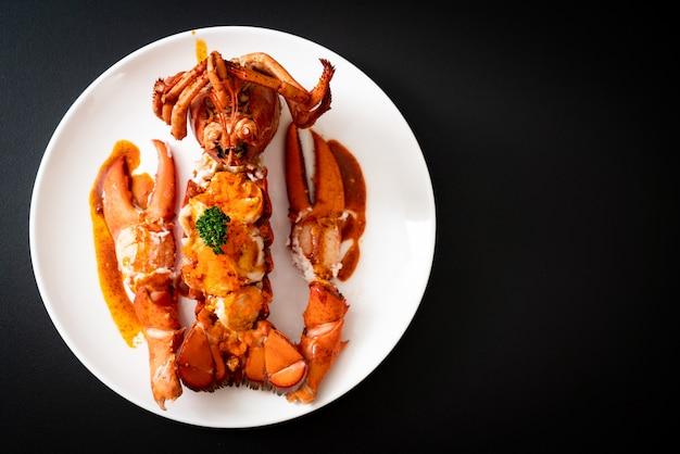 Bistecca di coda di aragosta con salsa